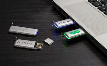 http://static.custom-flash-drives.com.au/images/products/Halo/Halo0.jpg